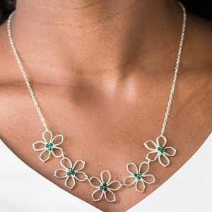 Paparazzi Hibiscus Green Necklace & Bracelet Set